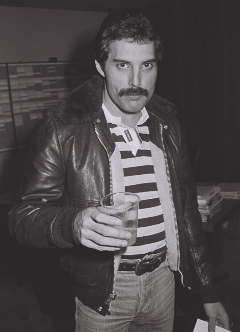Freddie Mercury murió a causa del Sida.