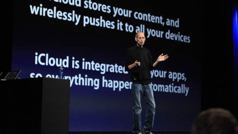 Aunque dio el relevo a algunos de sus más allegados colaboradores, Steve Jobs prefirió poner su voz y presencia a la presentación de su nuevo bebé: el iCloud.
