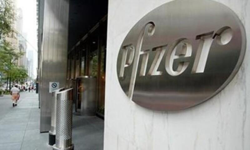 Las acciones de Pfizer suben 2.66%, para operar en 24.34 dólares por acción. (Foto: Reuters)