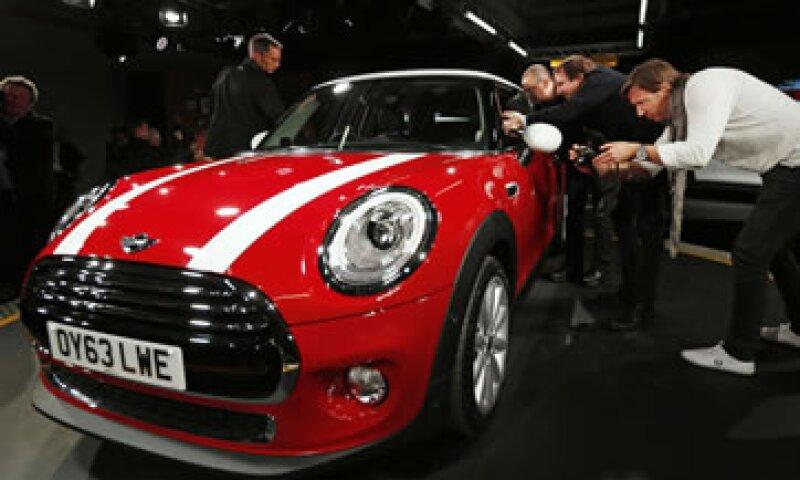 La producción del nuevo Mini comenzará esta semana ye stará a la venta en Gran Bretaña a principios del próximo año. (Foto: Reuters)
