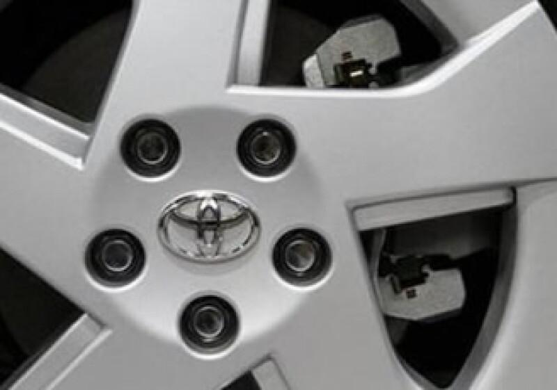 Toyota ofrece hasta 3,000 dólares en reembolsos e incentivos a concesionarias en EU. (Foto: Reuters)