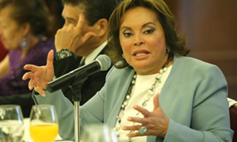 La líder del sindicato de maestros, Elba Esther Gordillo, fue detenida este martes en el Aeropuerto de Toluca. (Foto: Notimex)