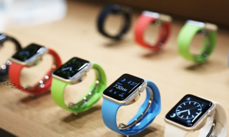 Samsung Electronics Co Ltd, Sony Corp y LG Electronics Inc han lanzado los rivales del Apple Watch. (Foto: Reuters )