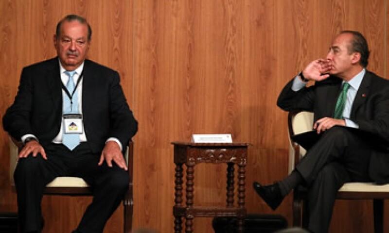 El Presidente Felipe Calderón y Carlos Slim inaguraron la reunión plenaria del Círculo de Montevideo. (Foto: Notimex)
