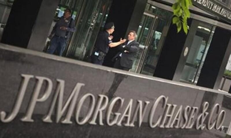 Morgan Stanley estima que las pérdidas de JPMorgan podrían llegar a los 7,000 mdd.  (Foto: Reuters)