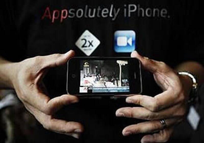 El iPhone 3GS será comercializado únicamente en negro y blanco. (Foto: Reuters)