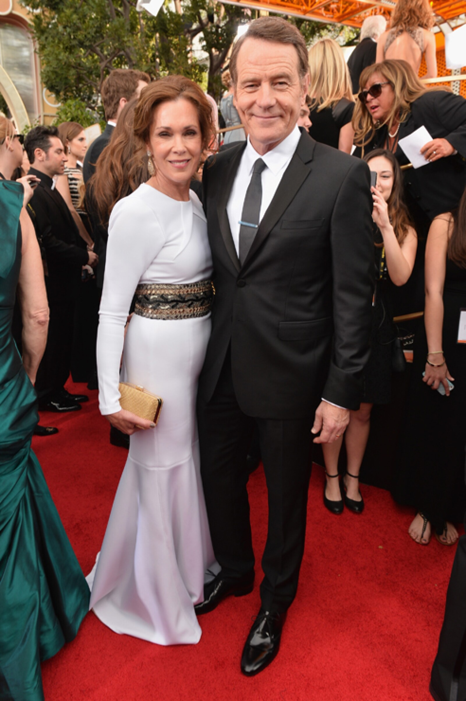El aclamado actor de Breaking Bad Bryan Cranston llegó acompañado de su más grande fan: su esposa Robin Dearden.