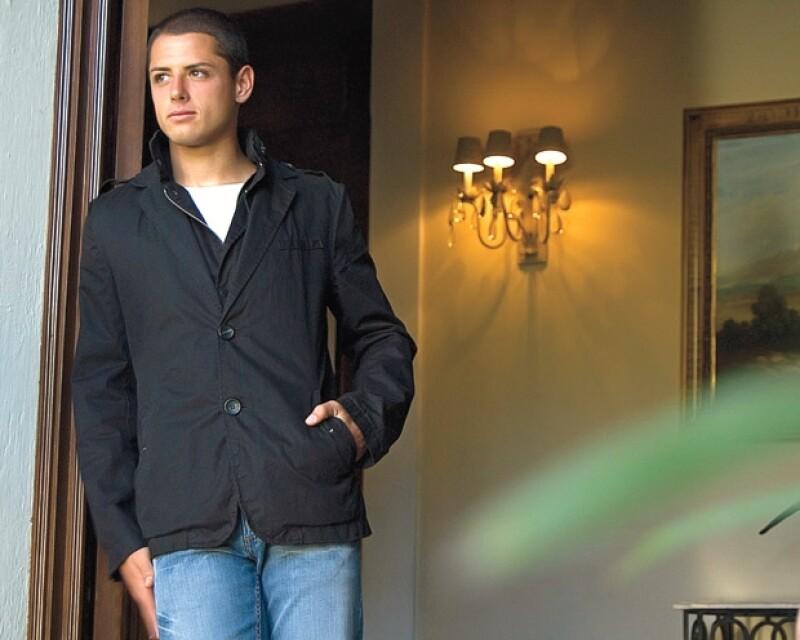 A sus 22 años es el futbolista sensación en México. Es tapatío y su corazón ya tiene dueña.