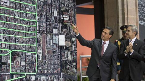 Pe�a Nieto y Mancera inauguran nueva red el�ctrica del Centro Hist�rico de la Ciudad de M�xico
