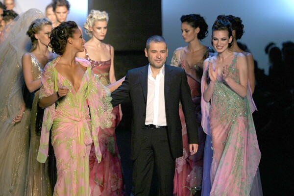 ELIE SAAB HAUTE COUTURE SHOW FOR SPRING / SUMMER 2004, PARIS FASHION WEEK, FRANCE - JAN 2004