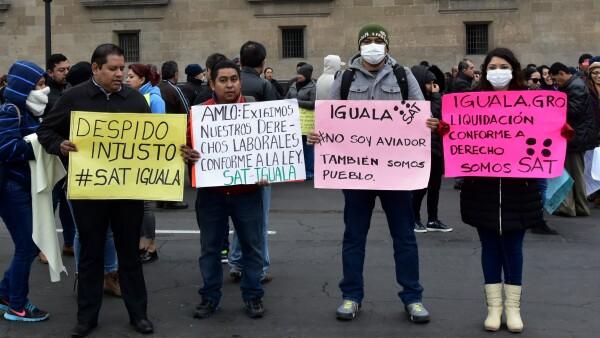 Protesta_Palacio_Nacional_Trabajadores_SAT-3.jpg