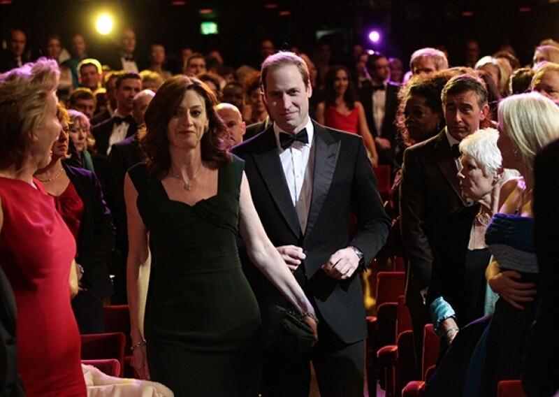 El príncipe estuvo acompañado por Amanda Berry directiva del Sindicato. Los presentes se sorprendieron al verlo entrar.