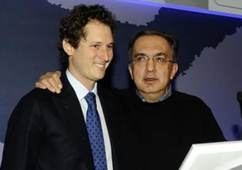 Sergio Marchionne, CEO de Chrysler, y John Elkann, encabezaron la presentación de la estrategia de la automotriz a inversores. (Foto: AP)