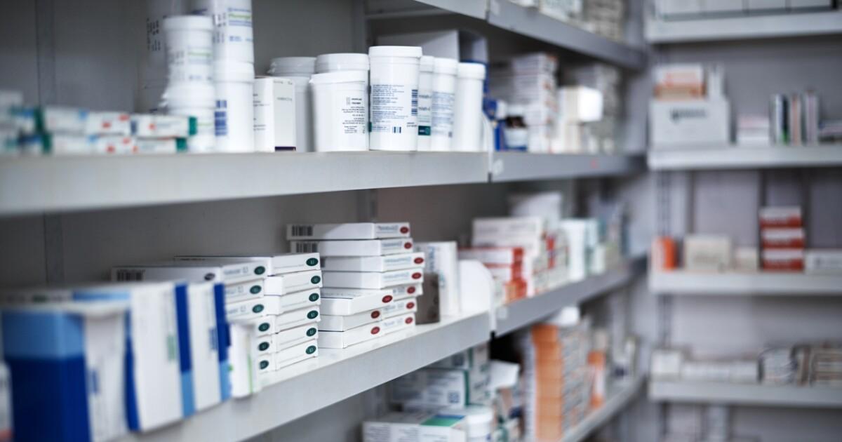 El gobierno de AMLO 'balconea' a los preferidos de EPN para comprar medicinas