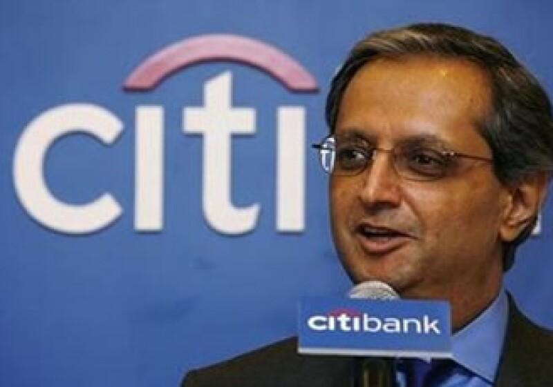 Vikram Pandit, jefe de Citi, fue cuestionado por legisladores de EU. (Foto: Reuters)