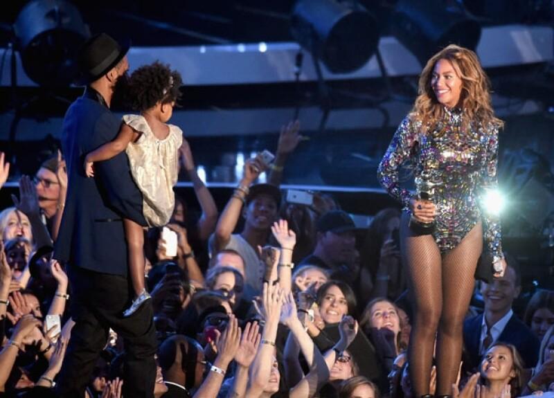 La cantante se hizo acreedora a este especial reconocimiento a lo mejor del talento en el mundo de la música pop.