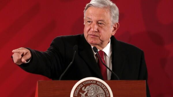 Andrés Manuel López Obrador responde a la degradación de Fitch a la calificación crediticia de Pemex