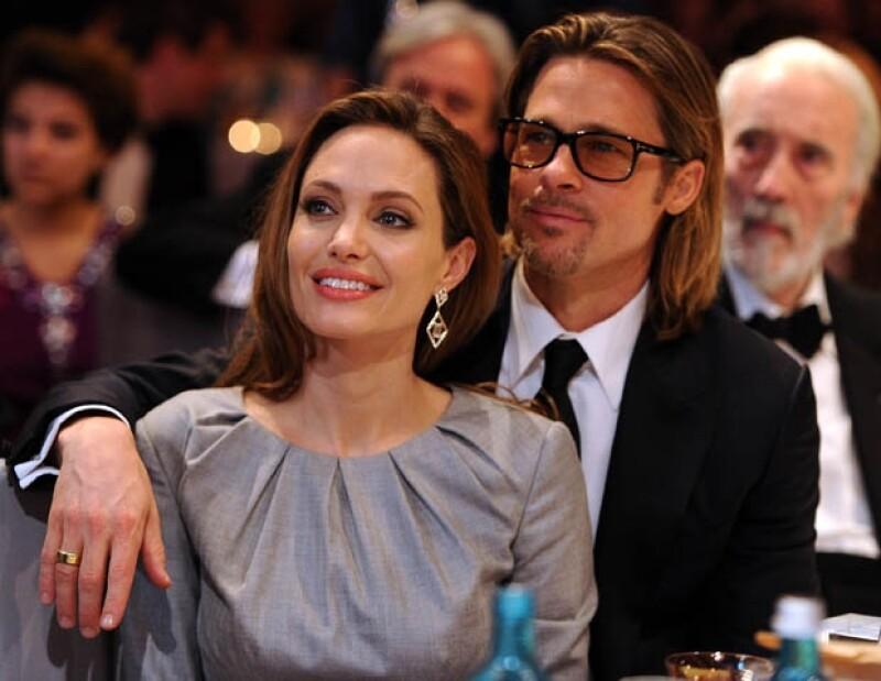 Una de las parejas más hot del espectáculo, Angelina Jolie y Brad Pitt, decidió sacar a la venta su propia marca de vino. Las primeras 6 mil botellas a la venta se agotaron en cinco horas.