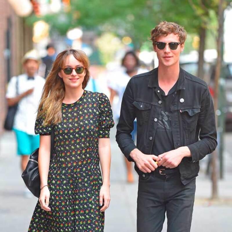 El ahora ex novio de la protagonista de 50 Shades of Grey terminó con ella poco antes del lanzamiento de la cinta.