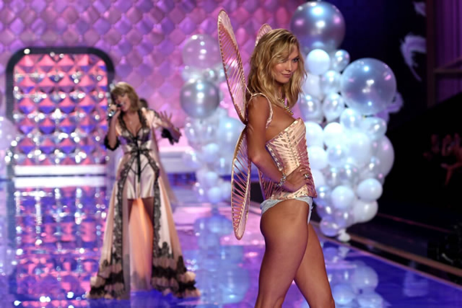 Taylor Swift, Karlie Kloss.