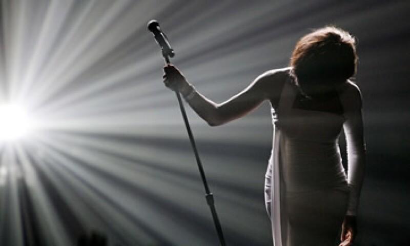 Whitney Houston ganó múltiples premios musicales Emmy, Grammy y Billboard.(Foto: Reuters)