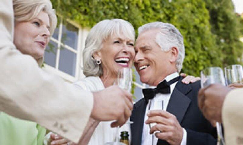 Los ricos gastaron más gracias a los dividendos que dieron las empresas a fin de año. (Foto: Getty Images)