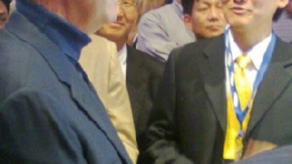 El presidente de Grupo Salinas viajó hasta Las Vegas para asistir al Consumer Electronic Show, donde se mostró interesado en los televisores que integran la tecnología 3D.