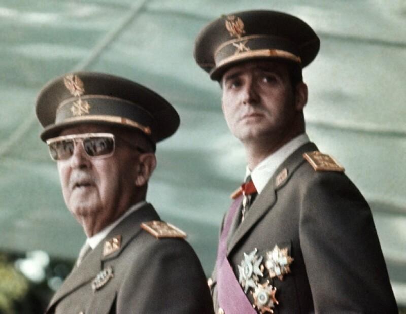 Juan Carlos prometió seguir con el legado de Franco y a la muerte de éste, sólo utilizó algunos preceptos.