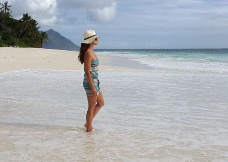 Después de molestarse con la prensa sueca por publicar fotos de ella y su pareja en bikini durante su luna de miel, compartió esta imagen en Facebook, en las islas Seychelles.