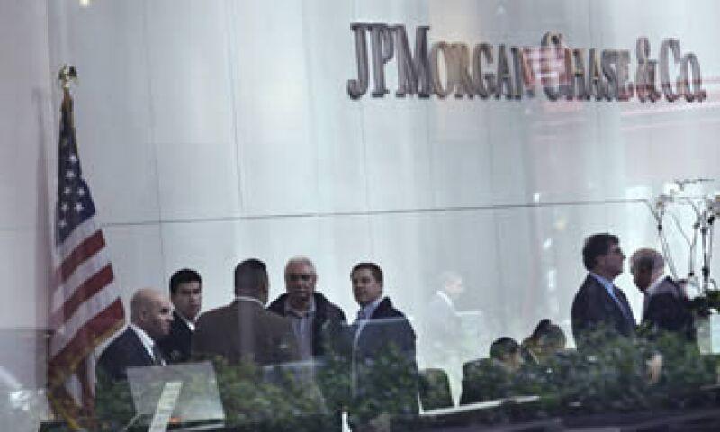 Las acciones de JPMorgan Chase han caído tanto que en realidad están en números rojos para lo que va del año.  (Foto: Reuters)