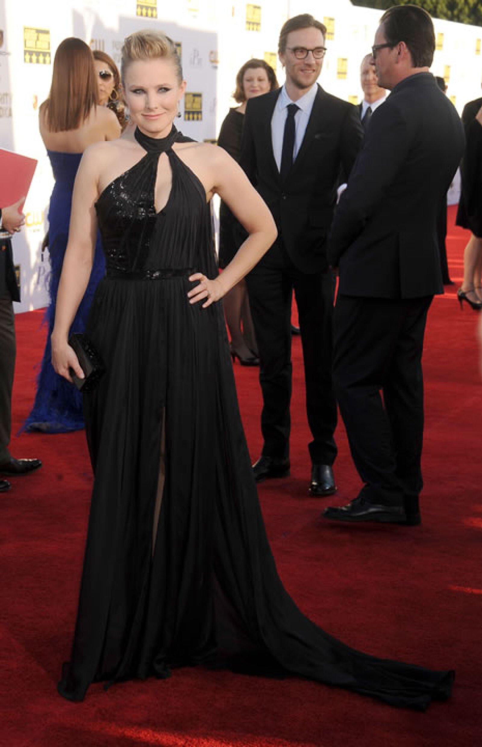 Kristen Bell lució espectacular a algunos meses de haberse convertido en madre.