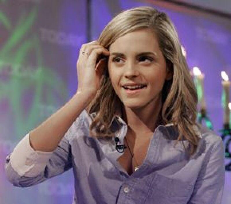 Dicen que la actriz de Harry Potter sale con el australiano Angus Willoughby, a quien conoció durante sus estudios en la Royal Academy of Dramatics Arts en Londres.