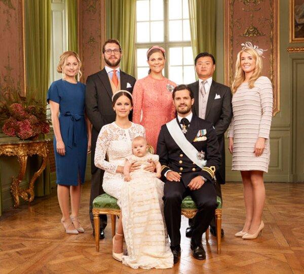 Los cinco padrinos de Alexander, Victoria de Suecia y Lina Hellqvist, Victor Magnuson, Jan-Åke Hansson y Cajsa Larsson.