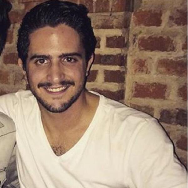 Juan Luis Chalita - Este tapatío nunca pierde el estilo, no se podía quedar atrás luciendo este bigote en tendencia.