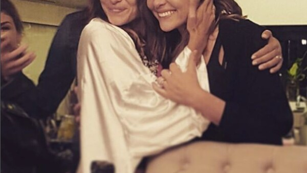 Las hermanas no podrían estar más felices por el compromiso de Marimar, y es Zuria quien comparte una emotiva imagen con su hermana.