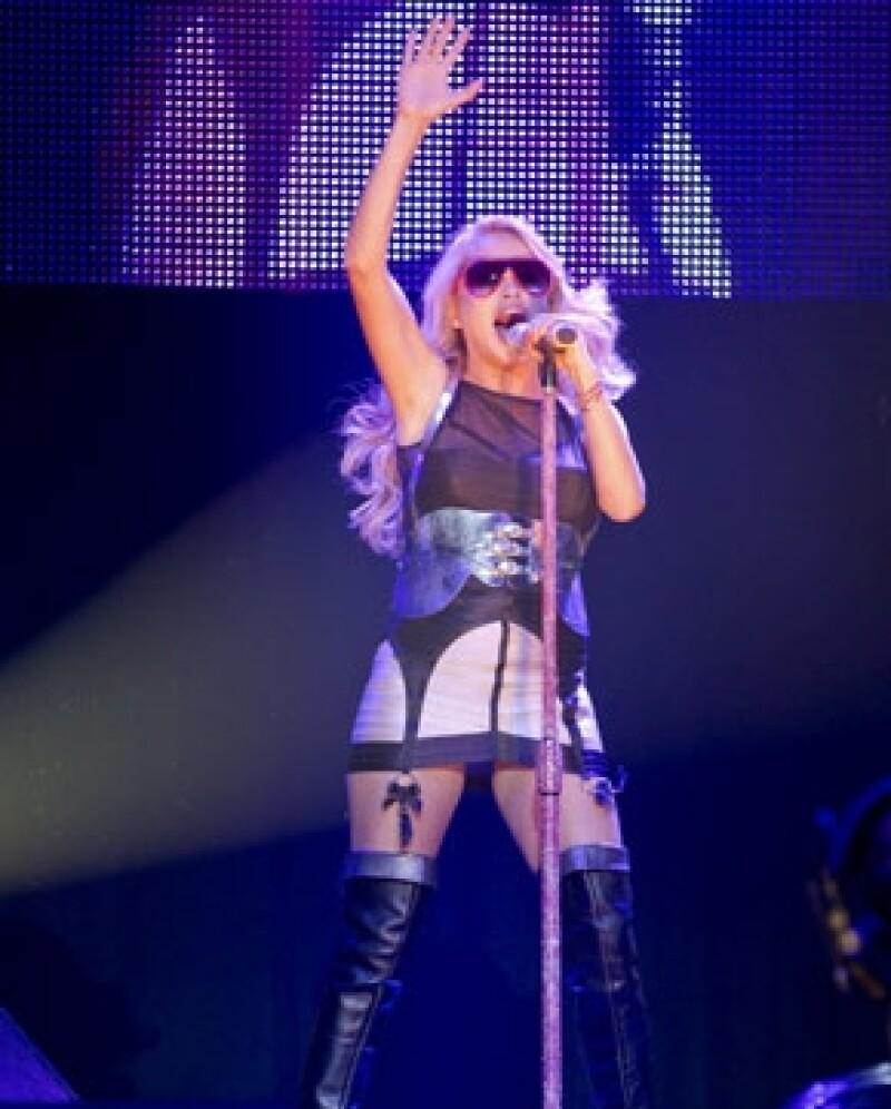 La `Chica Dorada´ se encontraba cantando en Ciudad del Carmen, Campeche, cuando se desvaneció, hasta el momento no se sabe sobre su estado de salud.
