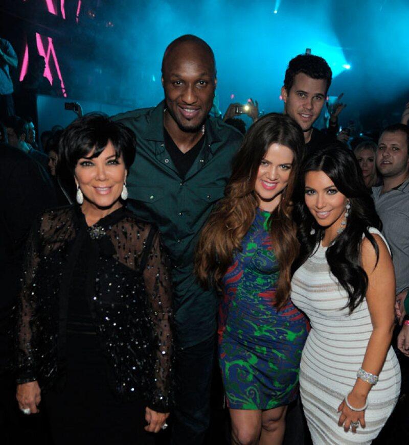 Previo al peligro de muerte que corrió Lamar Odom por una sobredosis, hubo distanciamiento entre Kris Jenner y su hija, pues la matriarca del clan seguía apoyando al basquetbolista.