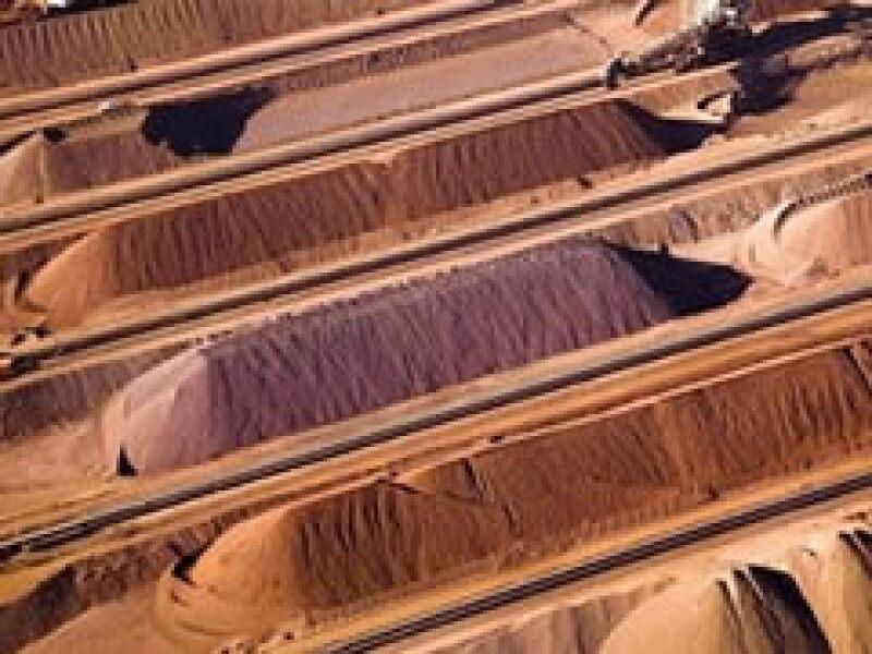 La minera Rio Tinto pretende fusionar sus operaciones con BHP para obtener hierro en el oeste australiano. (Foto: AP)