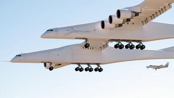 World's largest plane makes first test flight