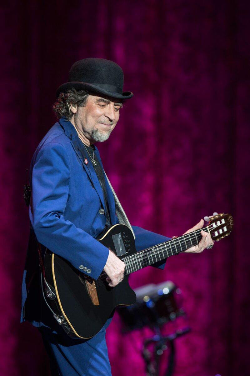 En la primera presentación de uno de los cantautores españoles más icónicos, no pudieron faltar ovaciones y sorpresas durante la velada.