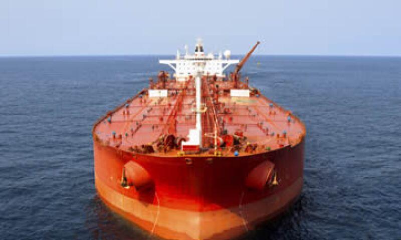 Las exportaciones petroleras sumaron 40,868 mdd en enero. (Foto: Getty Images)