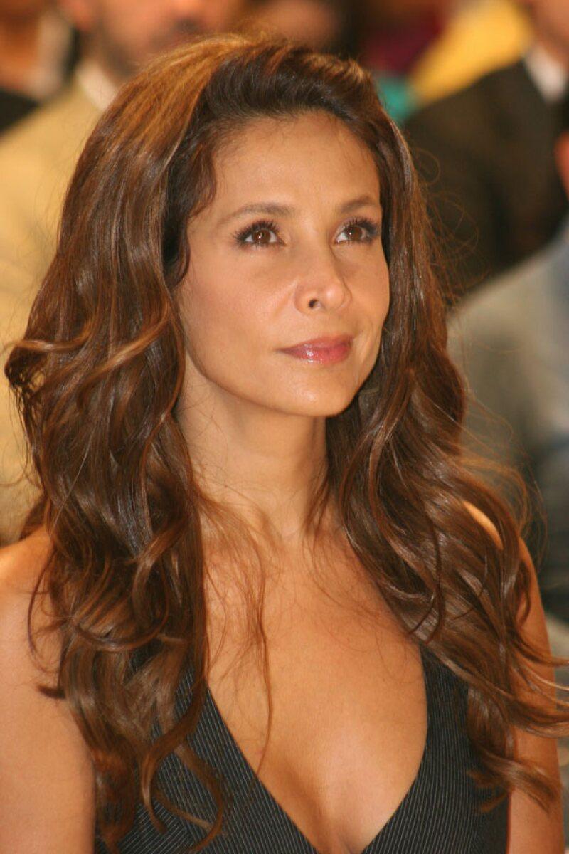 En una serie de entrevistas, la actriz mexicana confesó no tener miedo del futuro, a pesar de su enfermedad, y se mostró agradecida por los cambios positivos que ésta le trajo.