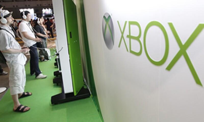 Microsoft espera integrar los 35 millones de usuarios de Xbox Live a su nueva plataforma. (Foto: Reuters)