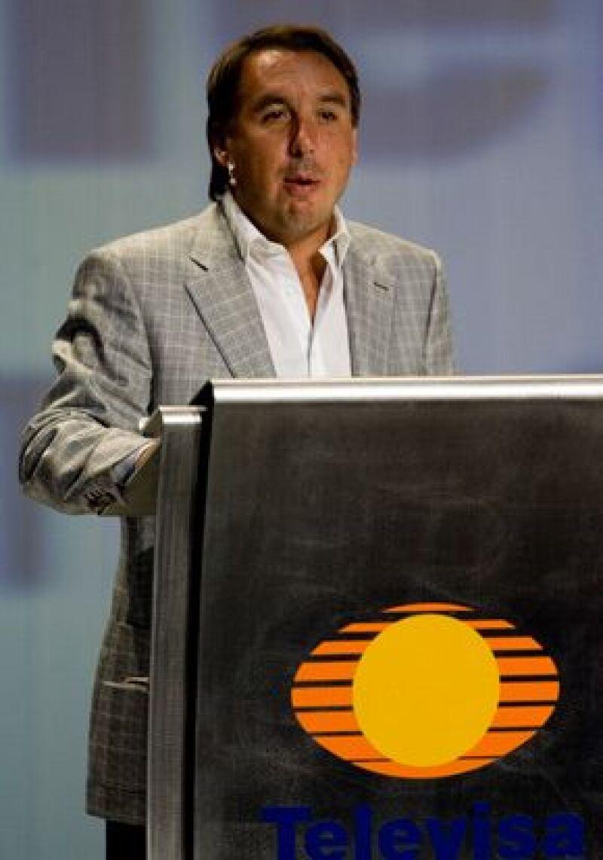 Univisión Communications Inc. dará a Grupo Televisa más de 600 millones de dólares en anuncios publicitarios y cerca de 25 millones de dólares en efectivo.