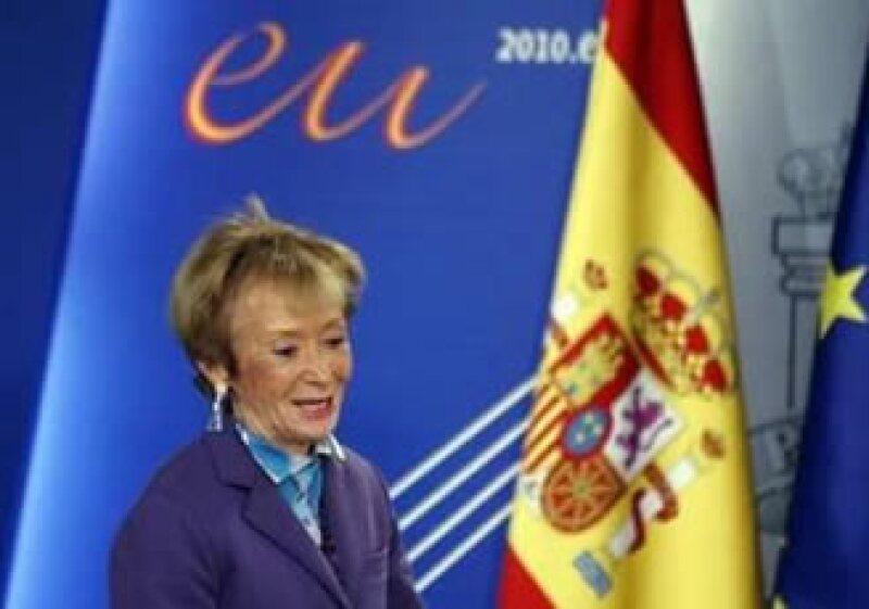 María Teresa Fernández de la Vega, vicepresidenta española, dijo que están convencidos de que se aproximan a la recuperación. (Foto: Reuters)