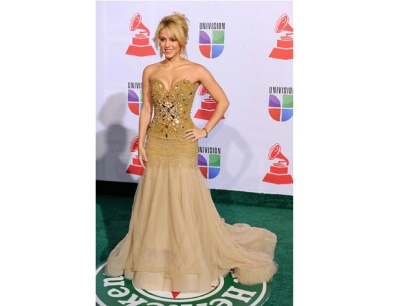 Una auténtica lluvia de estrellas ha caído en la green carpet de la ceremonia de premiación a lo mejor de la música latina en Las Vegas.