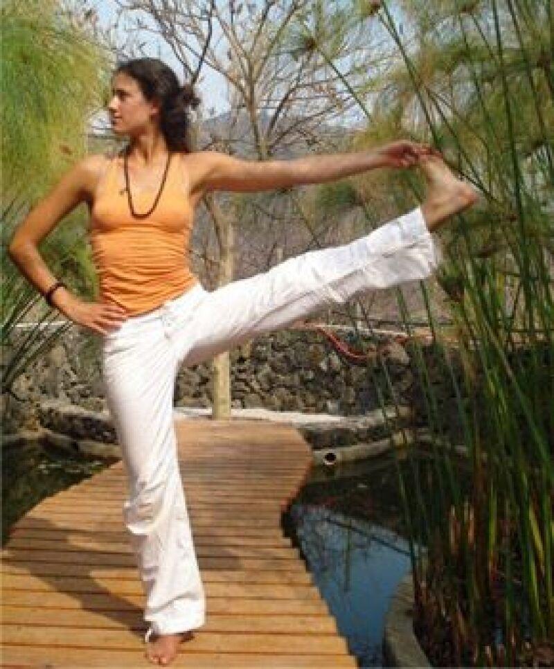 La instructora Marisol González presentará paso a paso los movimientos básicos de yoga para iniciar el día en excelente estado físico y mental.
