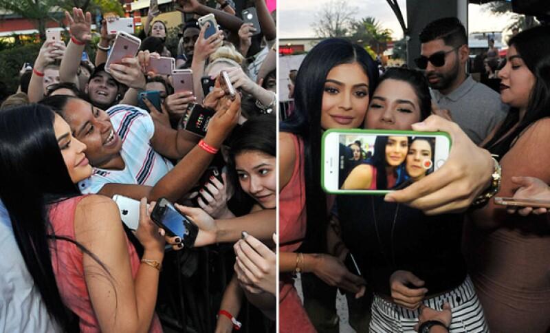 Los fans no paraban de gritarle y pedirle mil fotos.