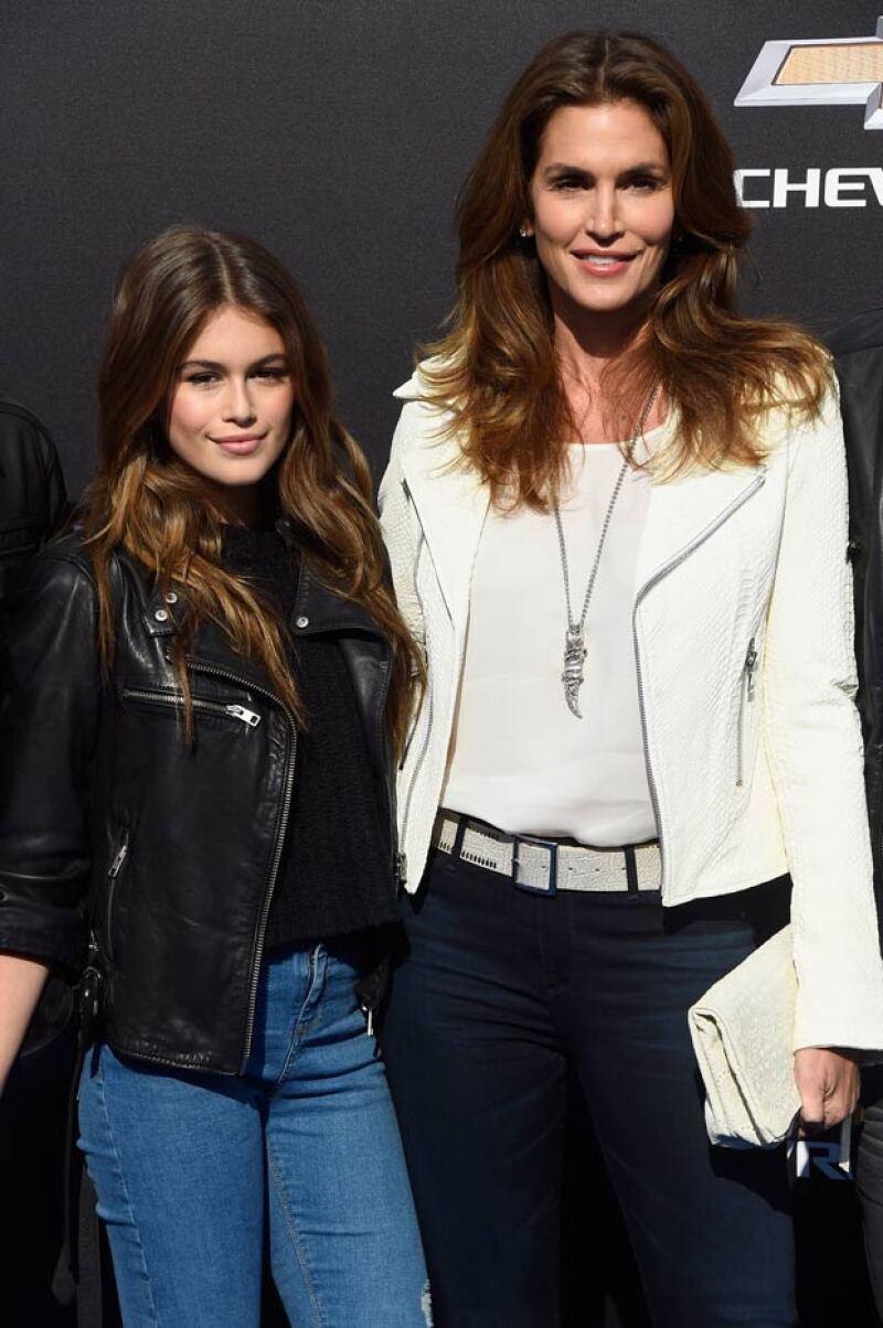 Kaia, hija de la supermodelo Cindy Crawford ha logrado su primer contrato en el mundo de la moda, impresionando con su increíble belleza a su corta edad.
