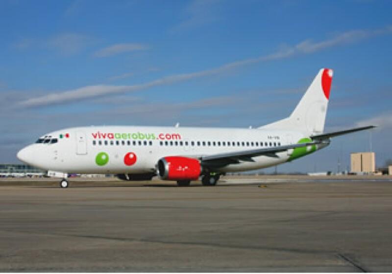 la aerolínea VivaAerobus implementó el servicio de envío de datos de vuelo vía SMS a pasajeros que hagan una reservación.  (Foto: Cortesía)